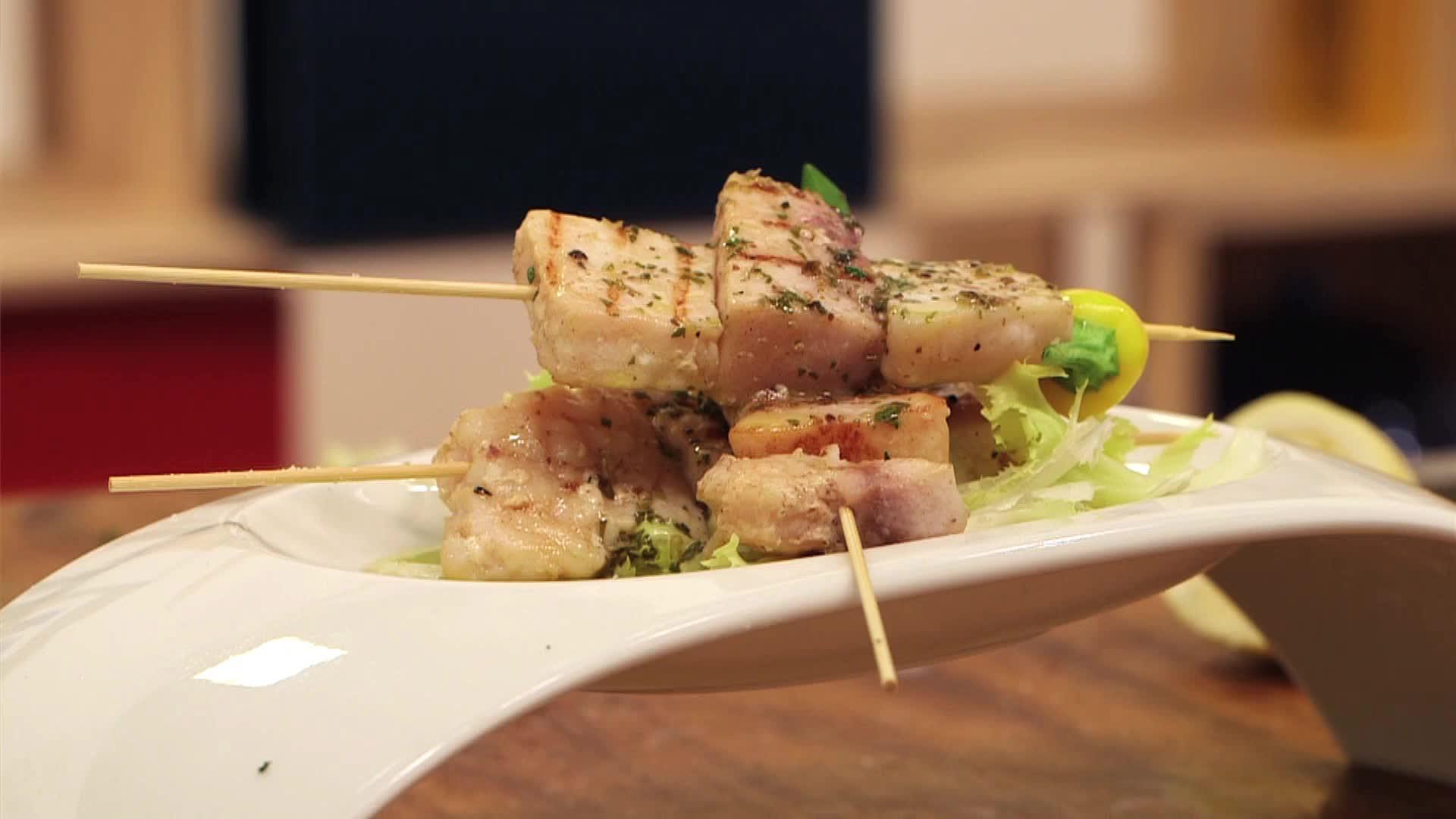 Pesce spada in salmoriglio video gambero rosso tv for Ricette gambero rosso